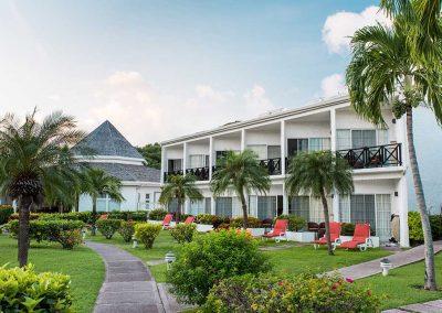 Coyaba Hotel walkway 3